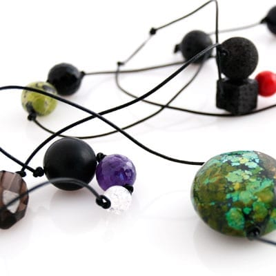 Firmaaftaler til smykker i aedelstene/koraller/lava - personligt design