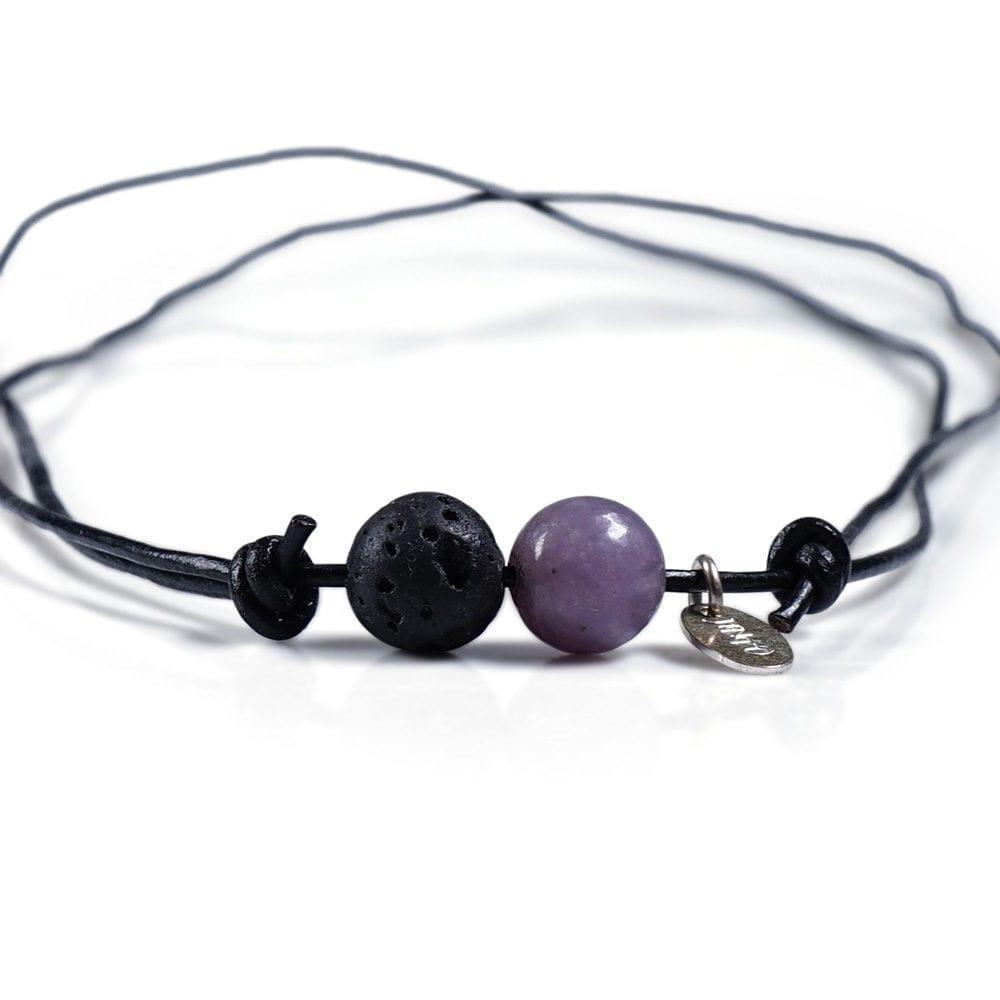 Sort/lilla minimalistisk halskaede - laedersnor med Agat og Lava
