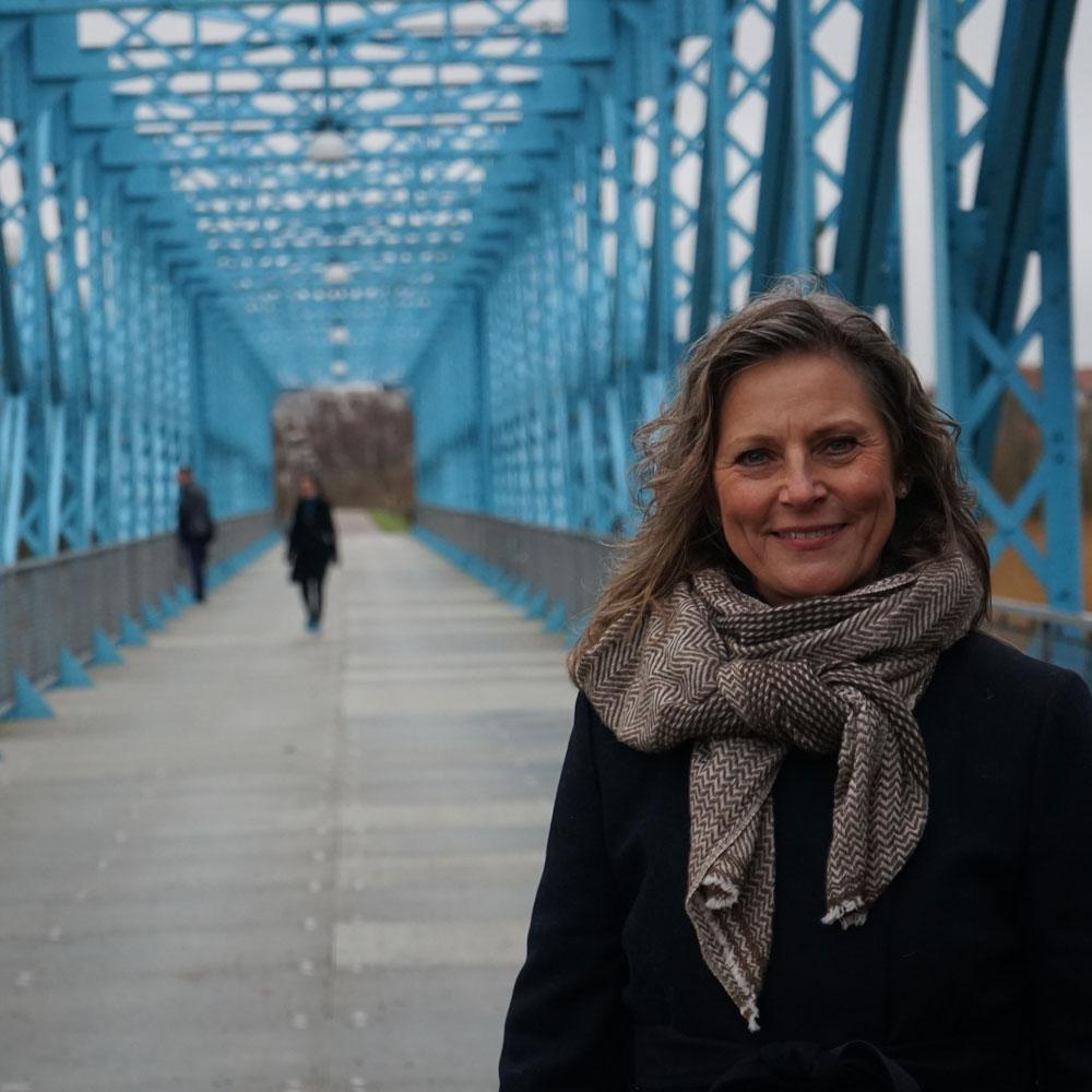 jette dengsø bygger bro til succes - 10 års jubilæum
