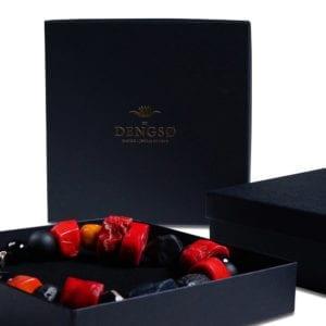 indpakke i sort smykkeæske