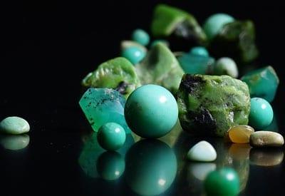 Krysopras stenens betydning og hvad stenen gør