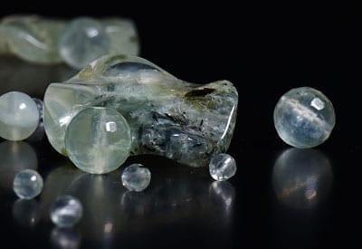 Prehnit, stenens egenskaber og betydning